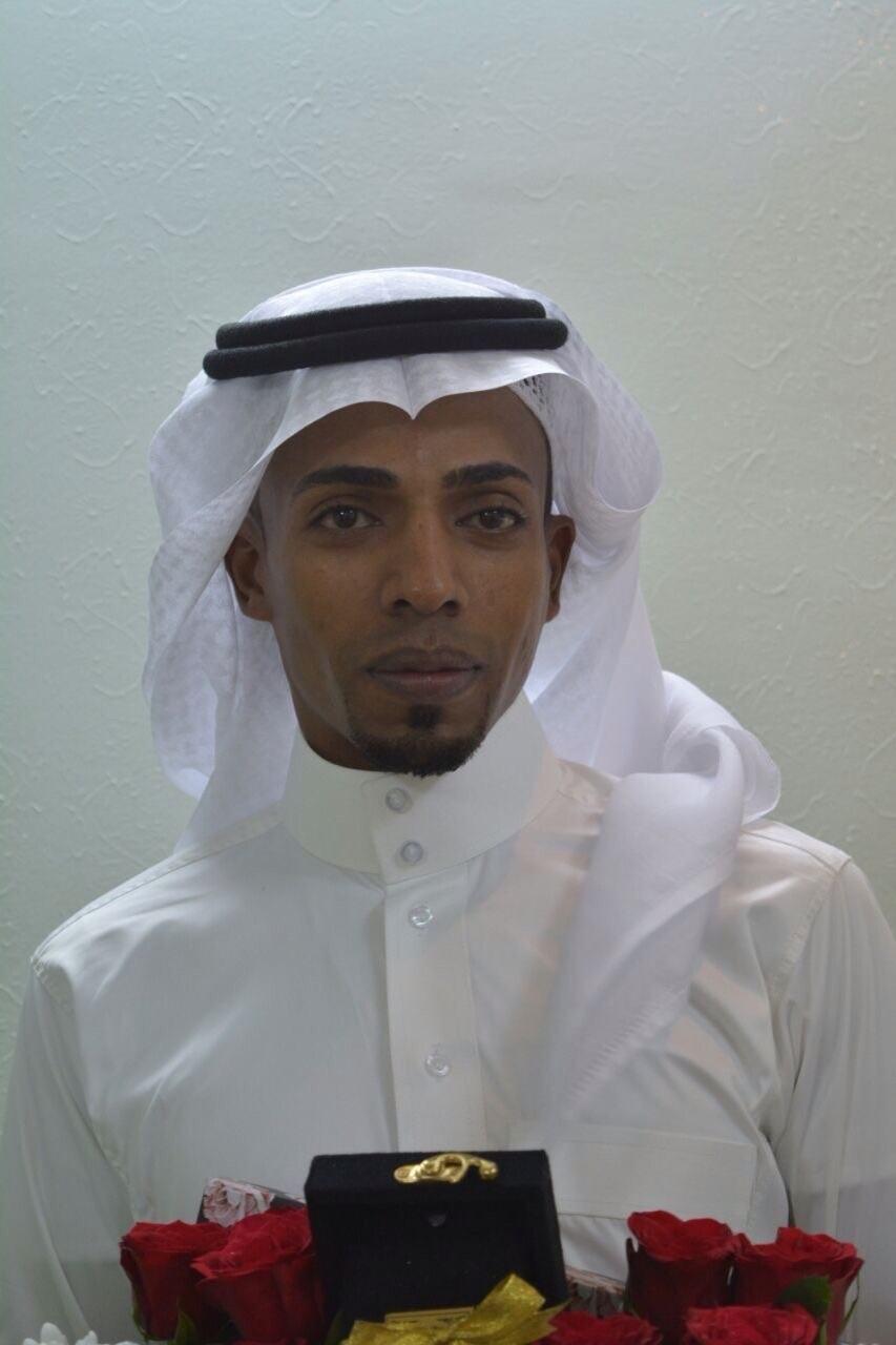علي أحمد .. يرزق بمولوده الثاني