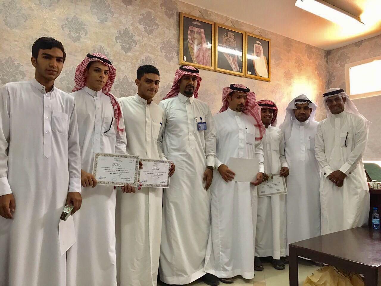 السعودية الثانوية بالمنيزلة تحصد ذهبية تاريخ الاحساء