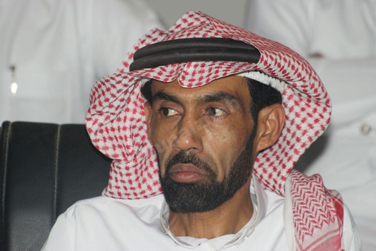 أبوأحمد يسرق الأضواء مع فريقه