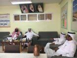 مدير تعليم الأحساء في زيارة لمتوسطة الطفيل بن عمرو