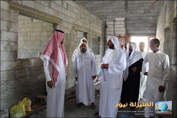 مكتبة متنوعة بجامع الإمام الصادق عليه السلام