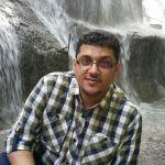 أحمد جاسم يرزق بأول مولودة