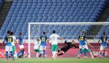 """بالصور.. """"الأخضر"""" يخسر أمام البرازيل ويُنهي مشواره رسميا في أولمبياد طوكيو 2020"""