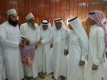 أهالي بلدة المنيزلة ممثلة في لجنة الطوارئ التطوعية تزور الاشقاء العمانيين