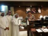 ( الاحمد ) رئيس اللجنة السداسية يقدم  الشكر إلى مدير شرطة الأحساء