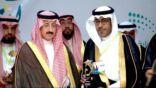 """الأمير بدر بن جلوي يكرم ابن المنيزلة """"الفحل"""""""